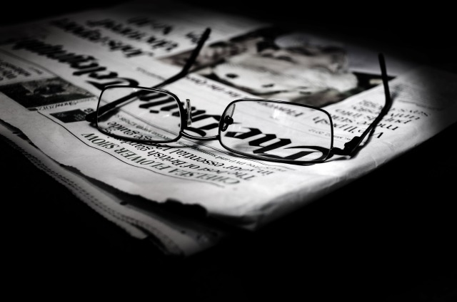 newspapers-and-glasses-1341392429lkk